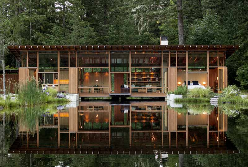 Residencia de verano sobre un lago en Oregón