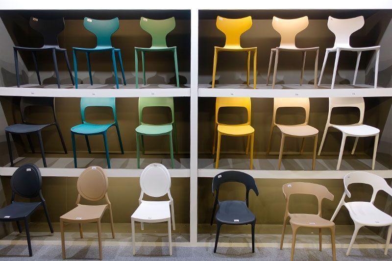 Mobiliario colorido en Intergift 2020