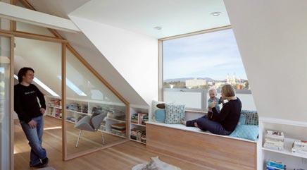 Slaapkamer met bakstenen en hout  Interieur inrichting
