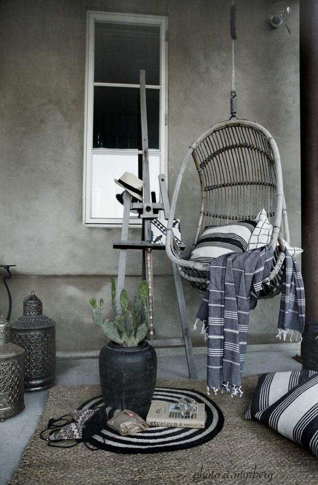 Hangstoel op balkon  Interieur inrichting