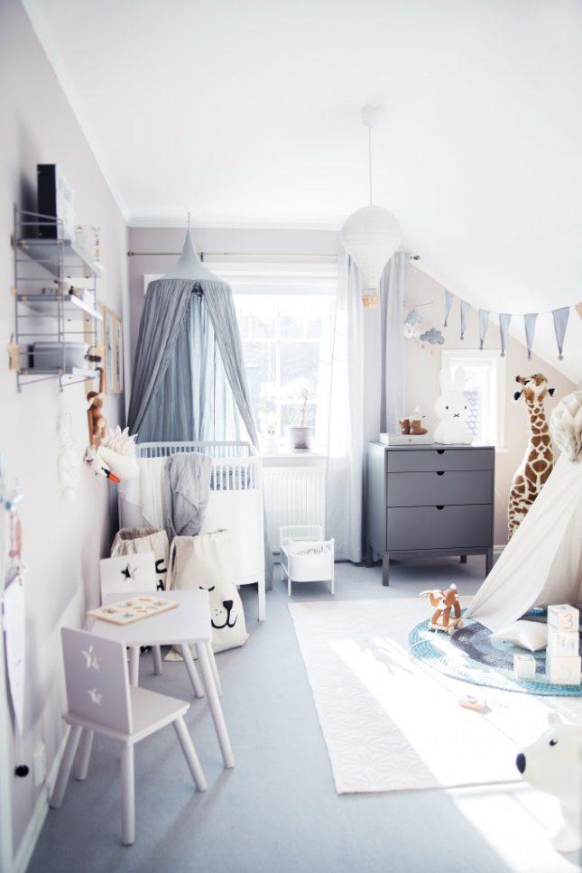 Leuke babykamer met zachte pastelkleuren  Interieur
