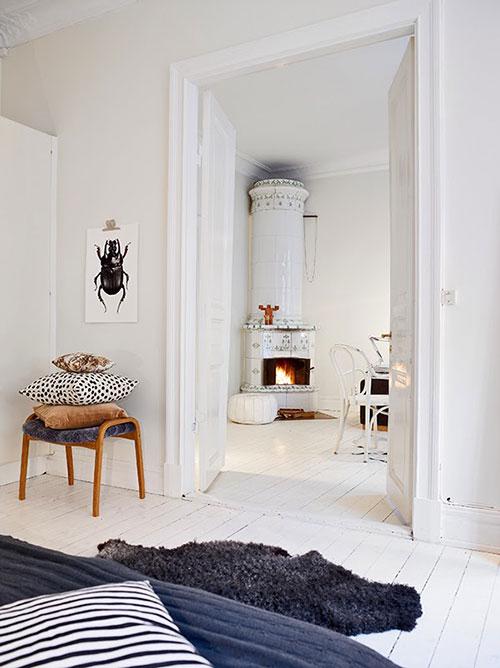 Warme gezellige witte woonkamer  Interieur inrichting