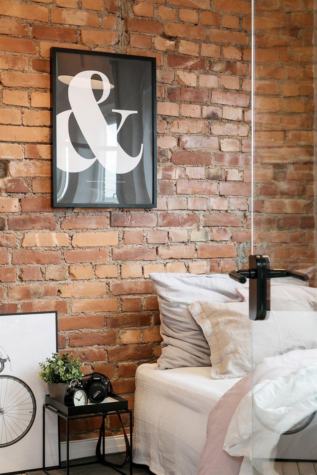 Wat een glazen wand kan doen in een slaapkamer