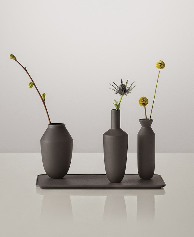Balance vase set in black with magnet | Muuto at C-More interieuradvies.blogspot.nl