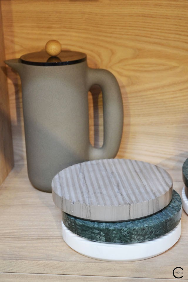 Push coffee maker | marble coaster in 3 colours | Muuto at C-More interieuradvies.blogspot.nl