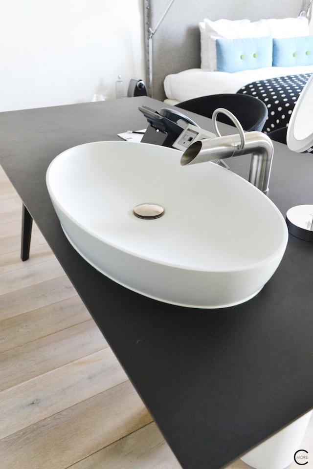 Jee-O bath shower wellness spa Design bathroom Manna awardwinning Design Hotel NL 01