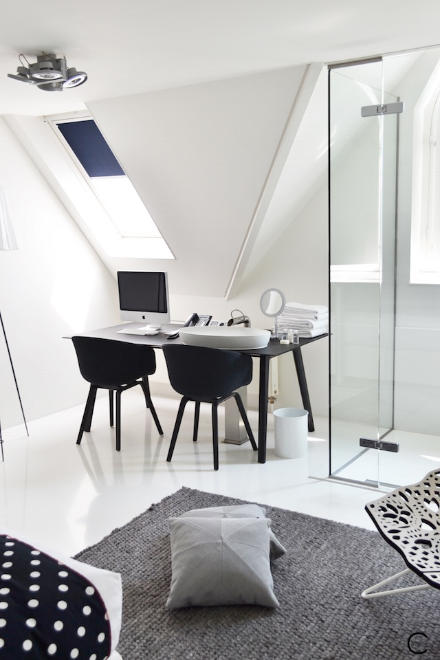 Jee-O bath shower wellness spa Design bathroom Manna awardwinning Design Hotel NL 33