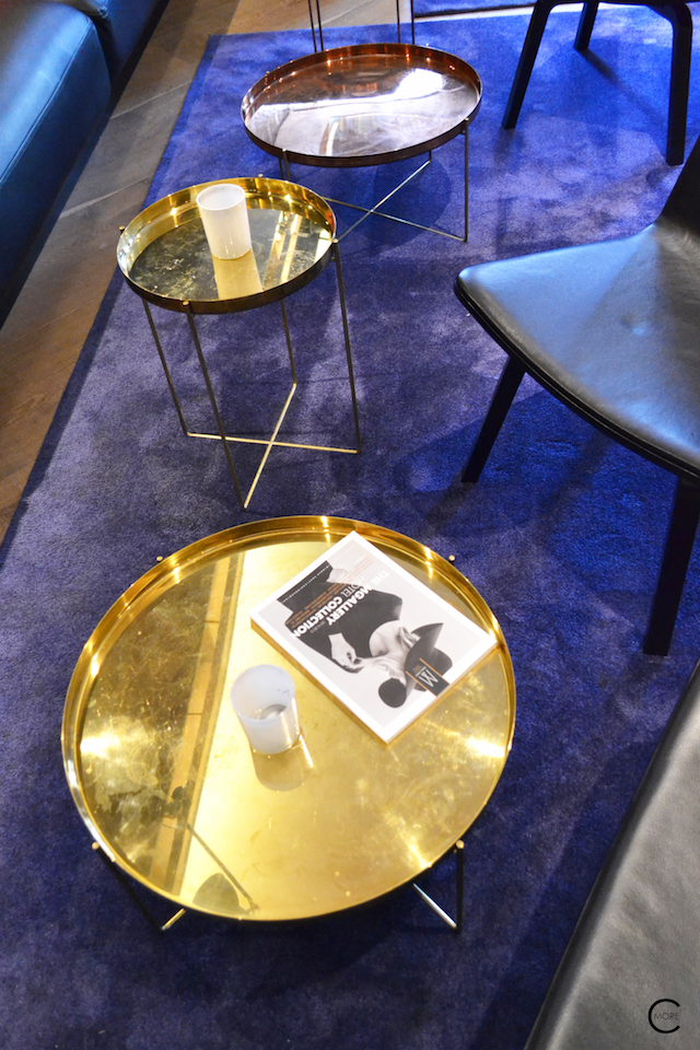 Lounge spot with blue and brass gold accents at The Pressroom bar | Ink Hotel Amsterdam | Tried + Tested | Design Hotel | Boutique Hotel | Picture © By C-More