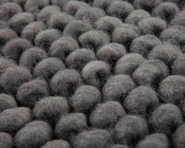 puur-natuurlijke-wollen-tapijt-grijs 2