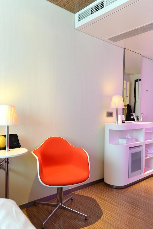 London CitizenM | Vitra | Hotel room