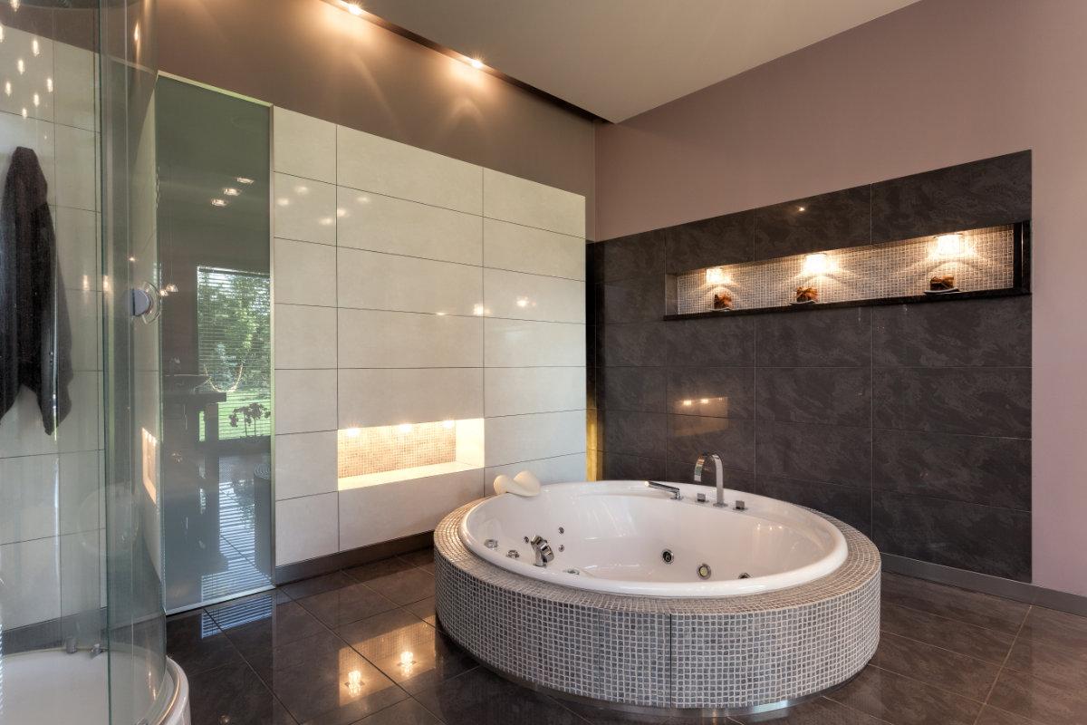 Bubbelbad in de badkamer plaatsen info en aandachtspunten