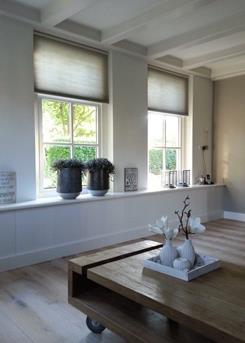 Grote vazen in de vensterbank  Interieur Inspiratie