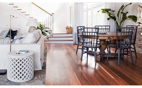 De donkere houten vloer  Interieur Inspiratie