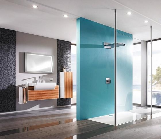 Breng een mooie accentkleur aan in je badkamer  Interieur