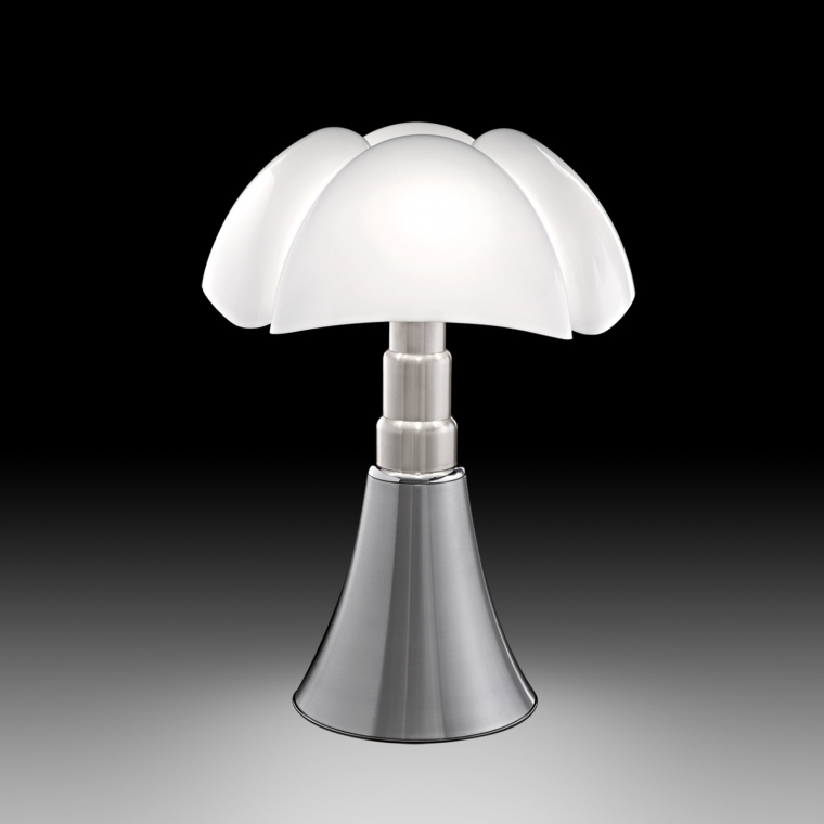 Pipistrello lamp van Gae Aulenti  Interieur Wensen