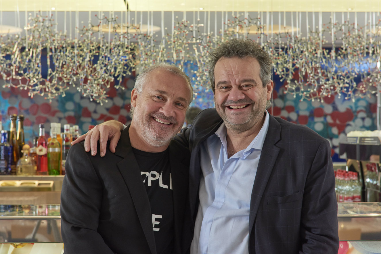 Damien Hirst y Mark Hix. Fotografía: Prudence Cuming Associates © Damien Hirst and Science Ltd. 2016.