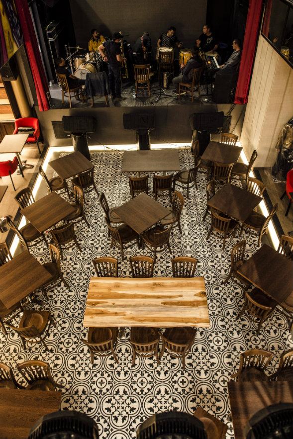 Vista del primer nivel del local. Las baldosas del piso fueron importadas de España. Fotografía: cortesía, La Provincia.