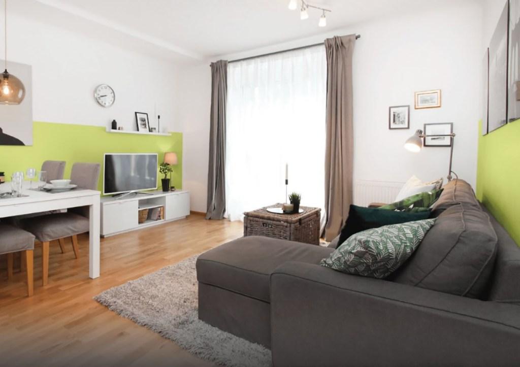Un color actual y fresco como el verde Chiba es el ideal para resaltar detalles en una sala o una habitación de entretenimiento. Fotografía: cortesía.