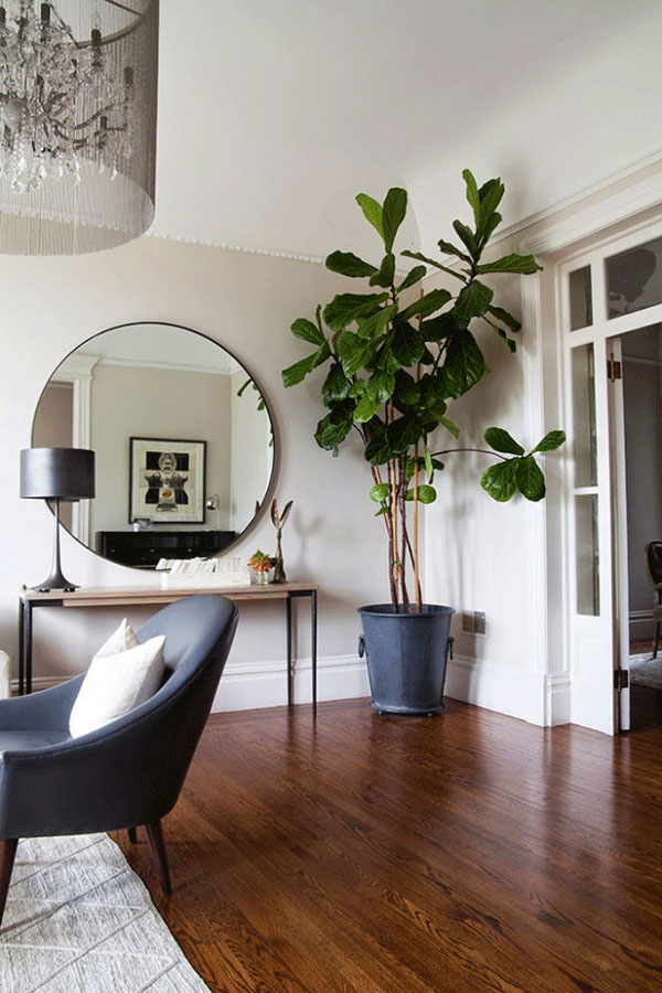 interior-cravings-fiddle-leaf-fig-living-room-console-round-mirror-via-themakerista