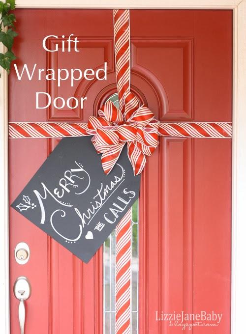 10 Gorgeous DIY Christmas Door Decoration Ideas