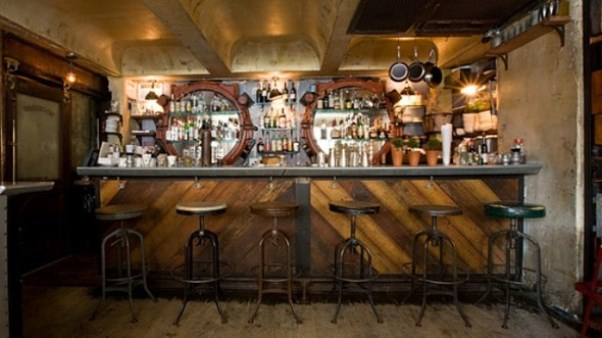 How To Create English Pub Atmosphere At Home