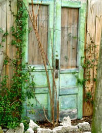 Outdoor Decor Using Old Doors | Interior Decorating