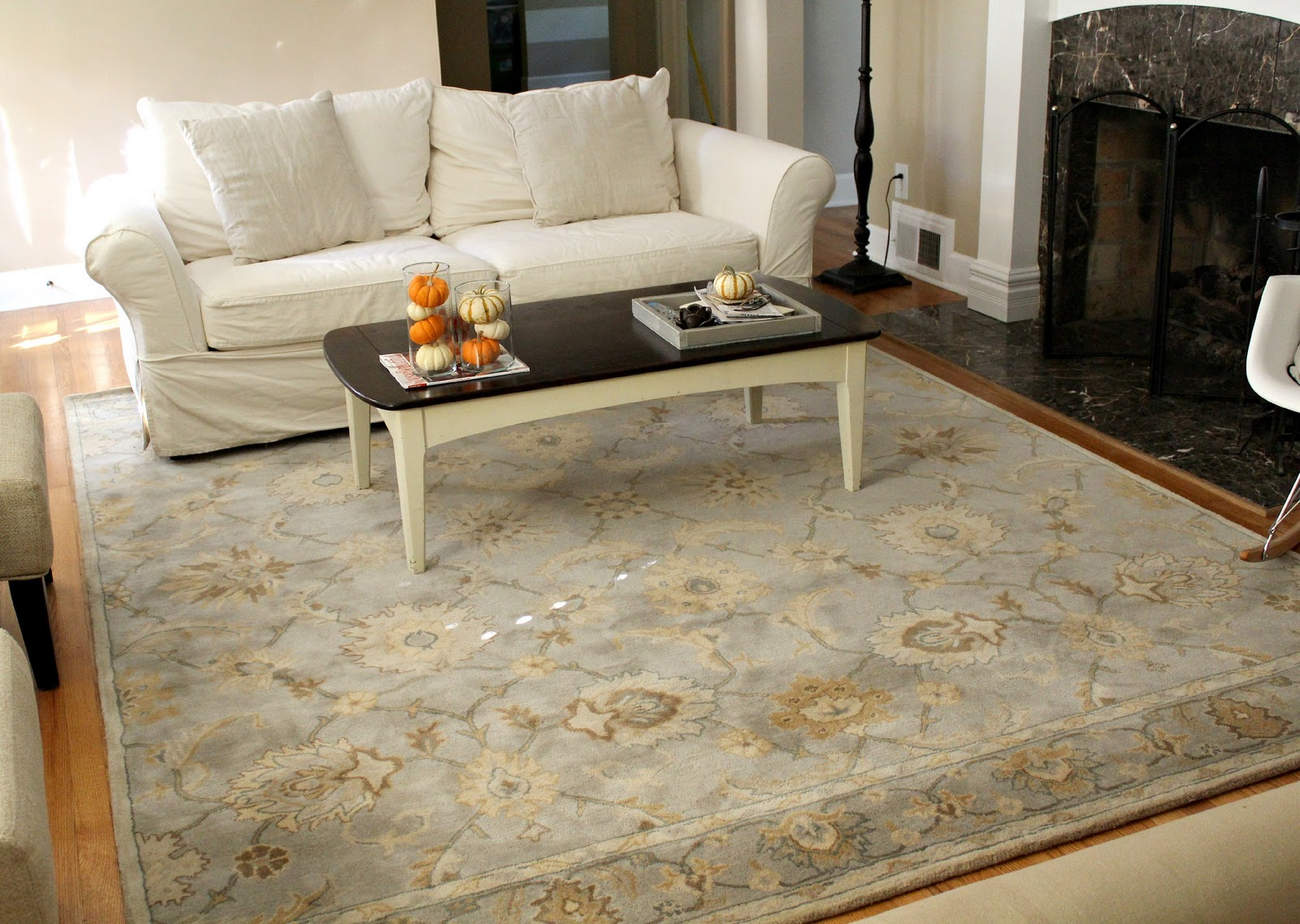 Choosing best rugs for living room  Interior design ideas