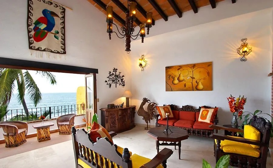 10 gorgeous living room interior design ideas from all for Mexican living room ideas