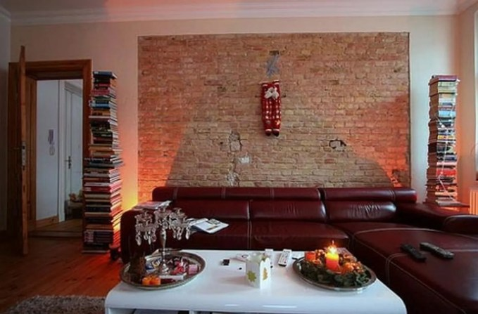 spacious-living-room-idea-with-brick-wall-interior
