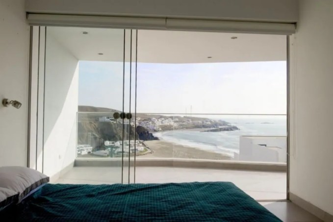 Atractive Bedroom with Glass Walls