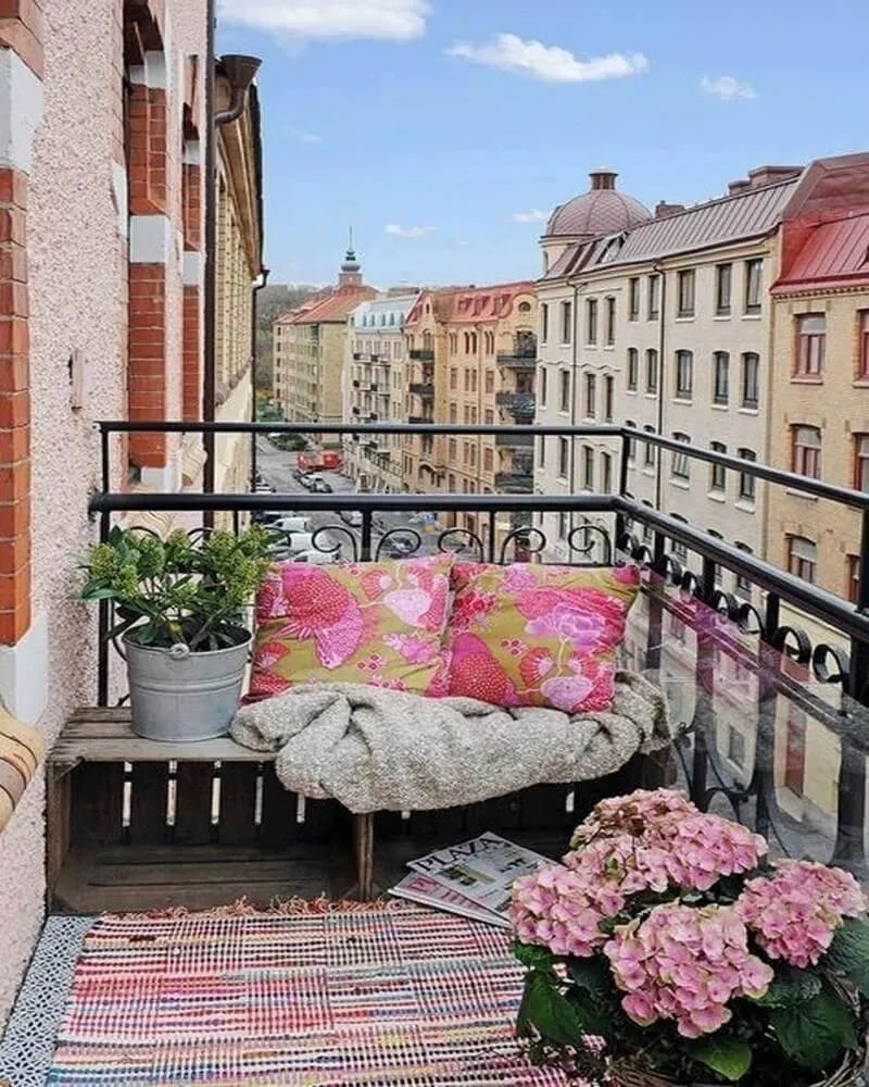 Small balcony furniture ideas - Amazing Decorating Ideas For Small Balcony 13