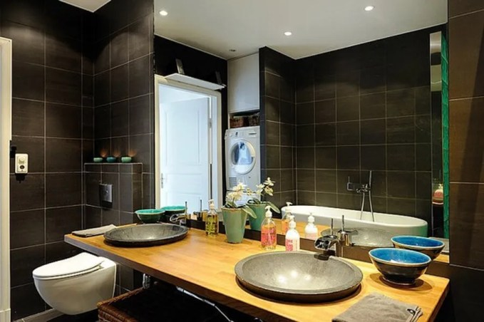 Beautiful Black Bathroom