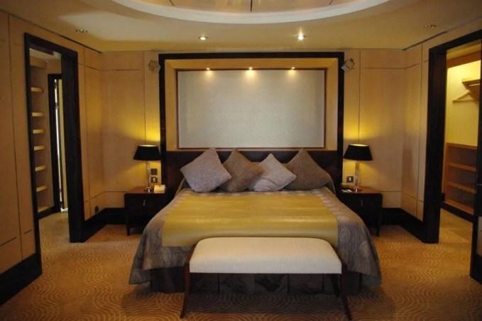 Hotel Style Modern Yelow Bedroom