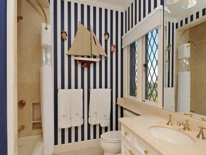 Classy Beach Inspired Bathroom