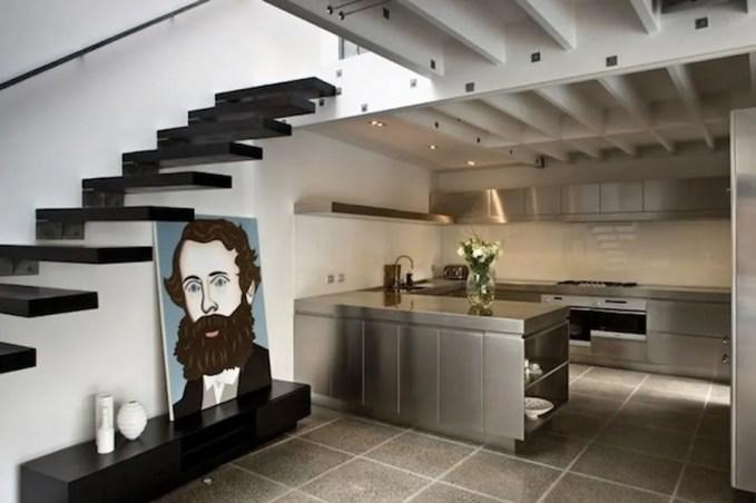 15-Metallic-Interior-Inspirations-To-Make-Your-Home-Glamorous-14