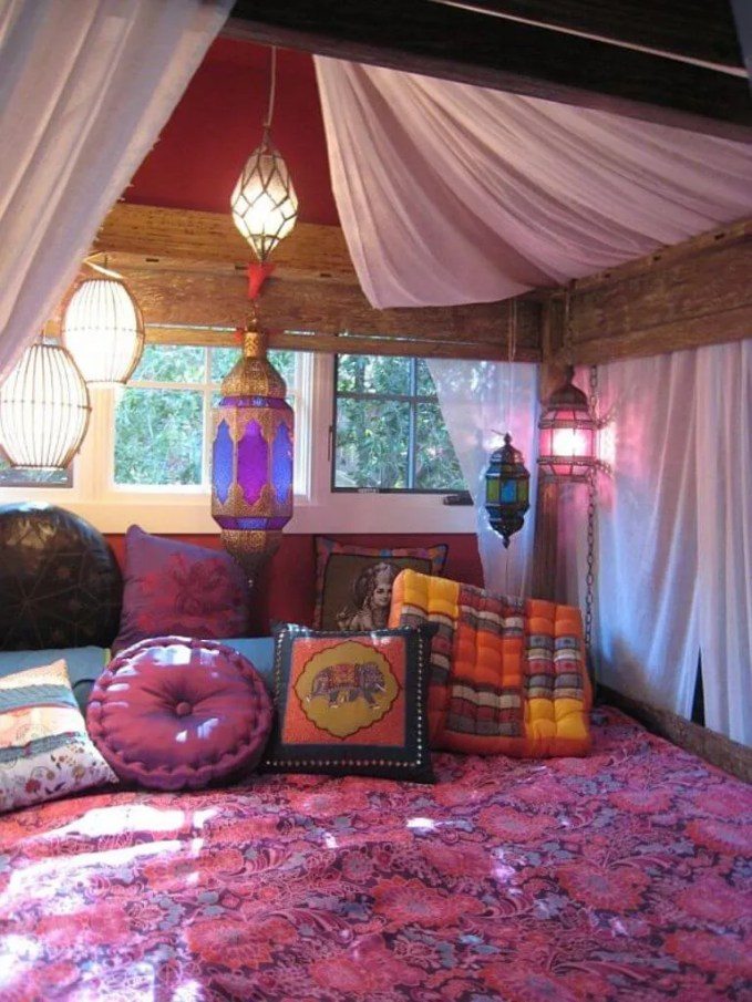 Bohemian Teenage girl bedroom Idea