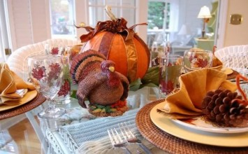8 Warm and Inviting Thanksgiving Table Centerpieces You'll Love