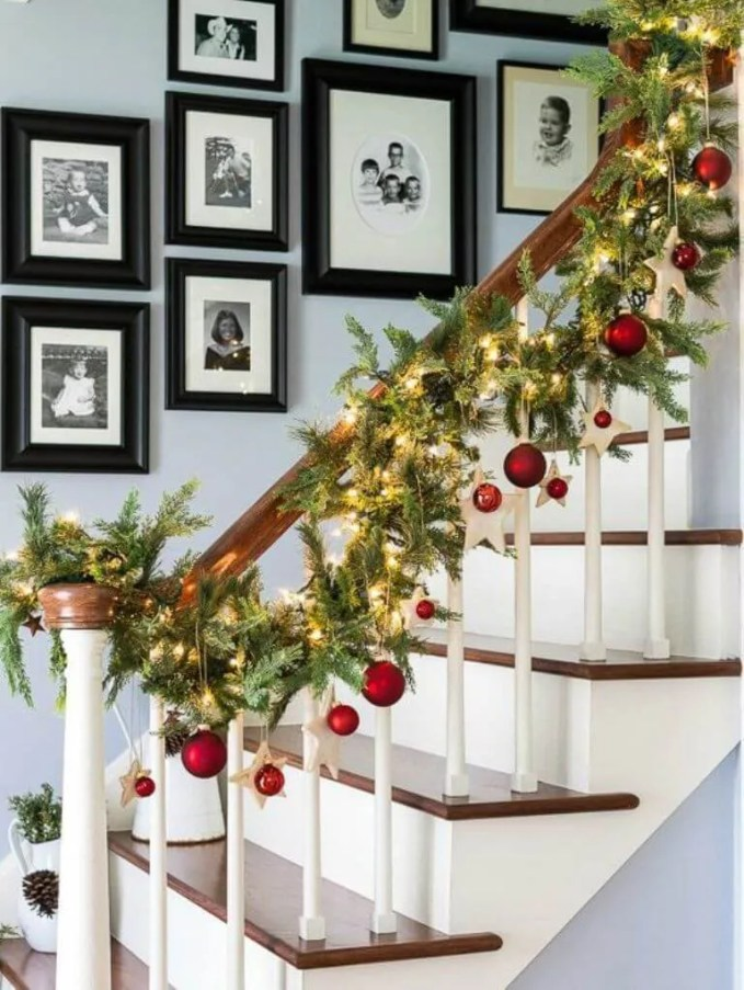 Amazing Christmas Garland