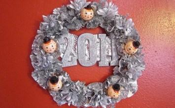 10 Cool New Year Wreath Ideas