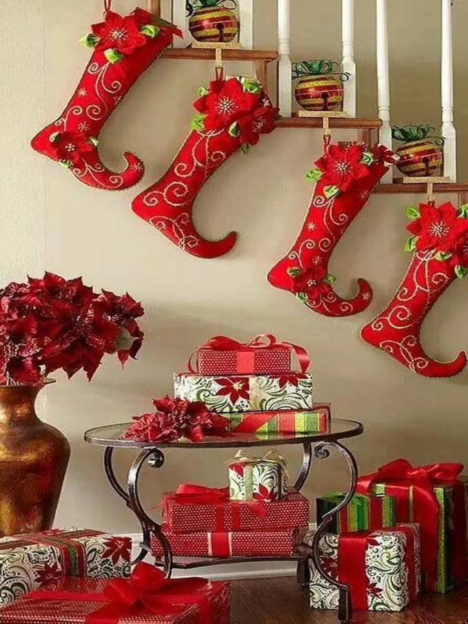 christmas-stockings-and-ideas-to-use-them-for-decor-14