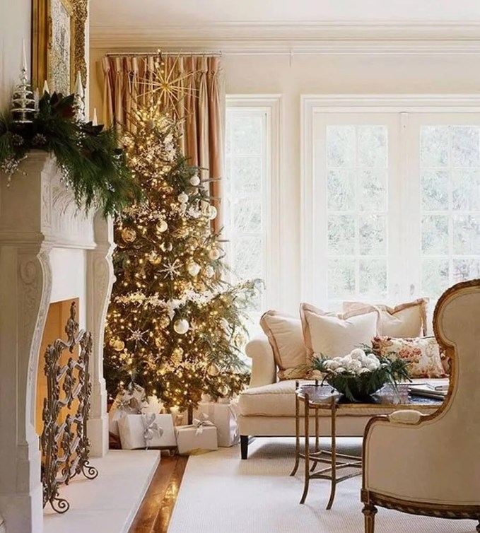 dreamy-christmas-living-room-decor-ideas-1