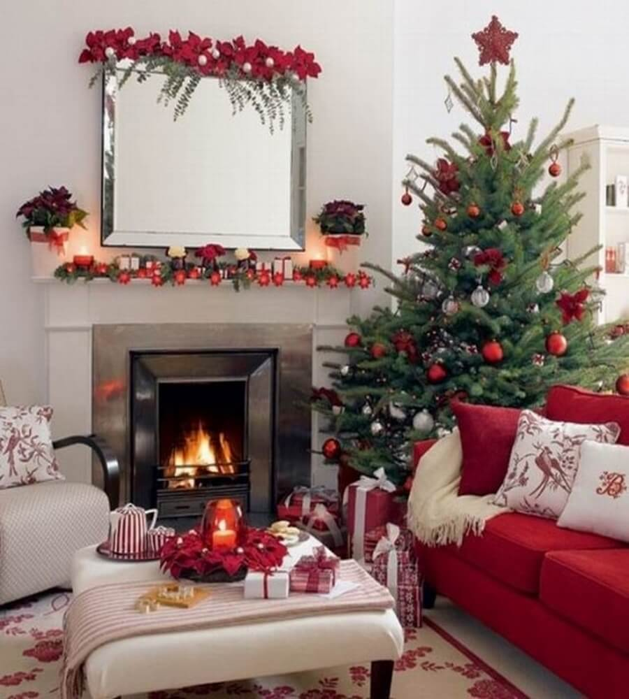 Christmas living room decorations - Red Christmas Living Room Decor