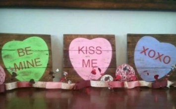 11Adorable and Cute Valentine's Sign For Indoor and Outdoor