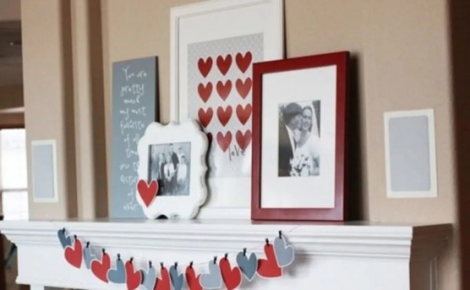 Beautiful Valentine's Mantel Decoration