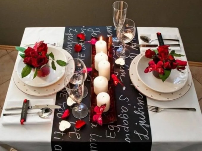 Red Rose Valentine's table setting
