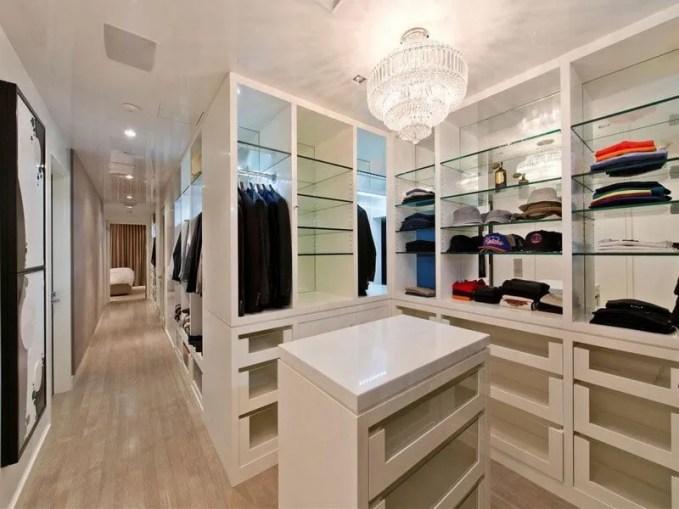 Walk-in-Closet-for-Men-Masculine-closet-design-9