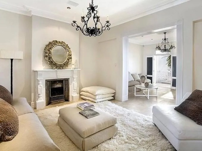 Bright Splnedid Living Room with Flokati Rug