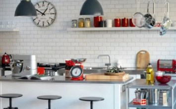 10 Fresh and Cool Kitchen Designs with Subway Tiles