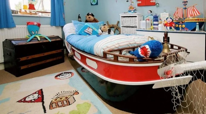 Lively Pirate Themed Kid's Bedroom