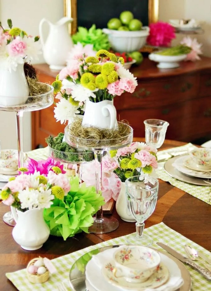 Original_Marian-Parsons-spring-table-setting-centerpiece_s3x4.jpg.rend.hgtvcom.1280.1707